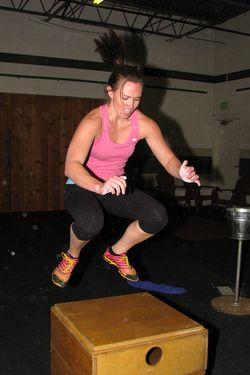 Sara box jump